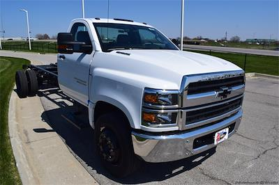 2021 Chevrolet Silverado 5500 Regular Cab DRW 4x2, Cab Chassis #78881 - photo 4