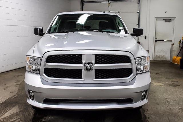 2017 Ram 1500 Crew Cab 4x4 Pickup #1D70235 - photo 3