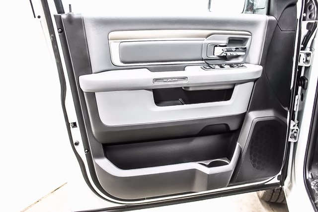 2018 Ram 1500 Crew Cab 4x4 Pickup #1D80068 - photo 15