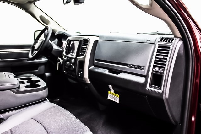 2018 Ram 1500 Crew Cab 4x4 Pickup #1D80107 - photo 8