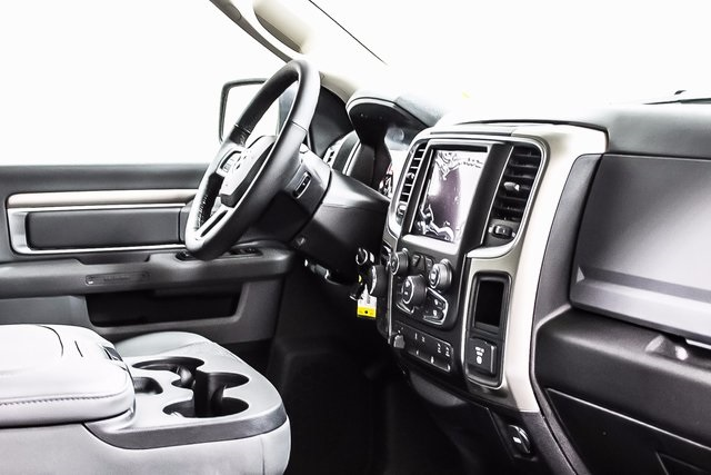 2018 Ram 1500 Crew Cab 4x4, Pickup #1D80120 - photo 7