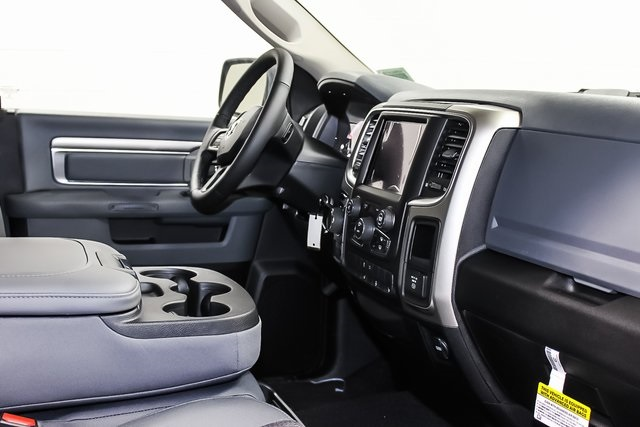 2018 Ram 1500 Crew Cab 4x4,  Pickup #1D80415 - photo 7