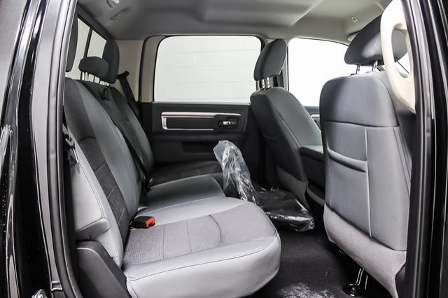 2018 Ram 1500 Crew Cab 4x4,  Pickup #1D80427 - photo 9