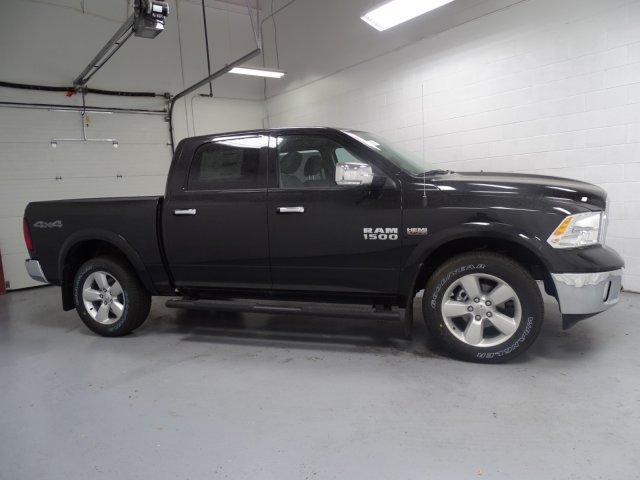 2018 Ram 1500 Crew Cab 4x4,  Pickup #1D80494 - photo 3