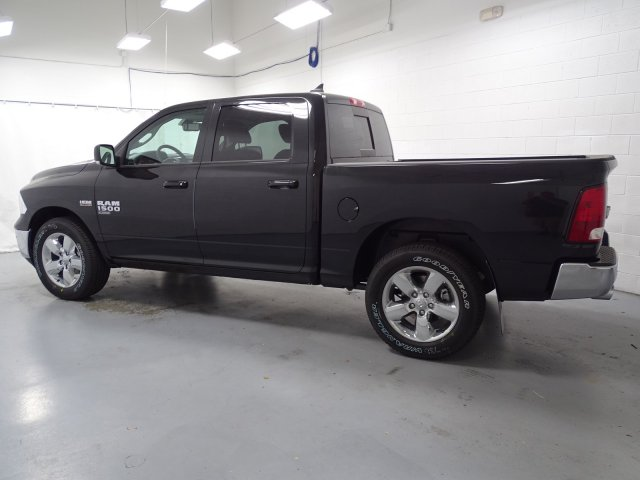 2019 Ram 1500 Crew Cab 4x4,  Pickup #1D90154 - photo 5