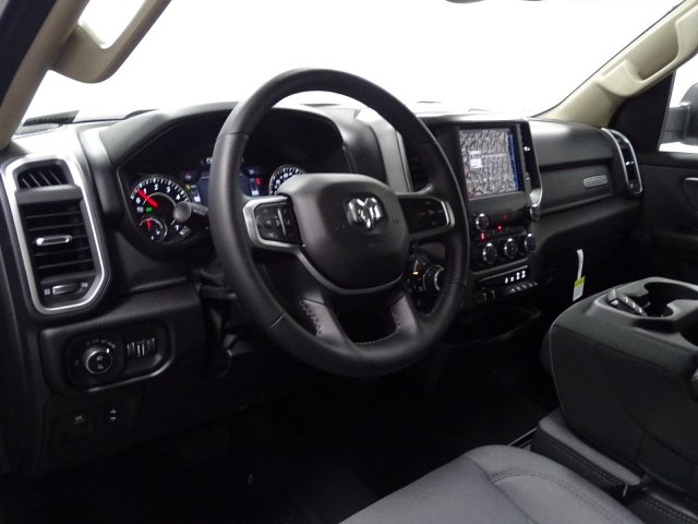 2019 Ram 1500 Crew Cab 4x4,  Pickup #1D90387 - photo 6