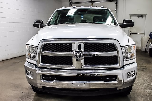 2016 Ram 3500 Crew Cab DRW 4x4, Cab Chassis #1DF7206A - photo 3