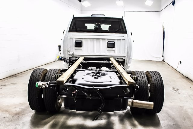2016 Ram 3500 Crew Cab DRW 4x4, Cab Chassis #1DF7207A - photo 2