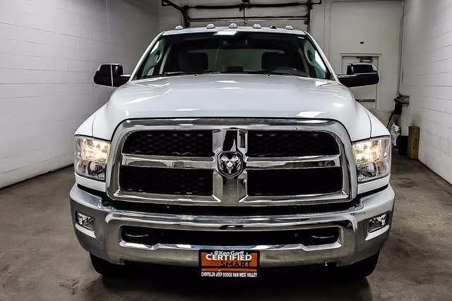 2016 Ram 3500 Crew Cab DRW 4x4, Cab Chassis #1DF7207A - photo 3