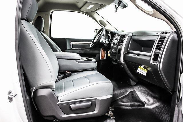 2017 Ram 3500 Regular Cab DRW 4x4 Cab Chassis #1DF7228 - photo 7