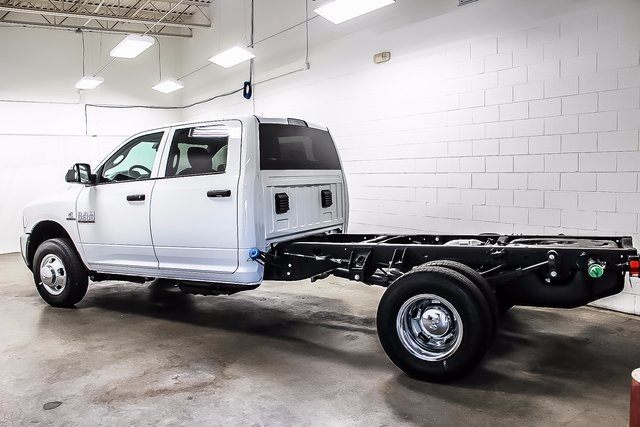 2017 Ram 3500 Crew Cab DRW 4x4, Cab Chassis #1DF7230A - photo 18