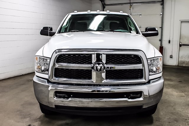 2017 Ram 3500 Crew Cab DRW 4x4, Cab Chassis #1DF7230A - photo 3