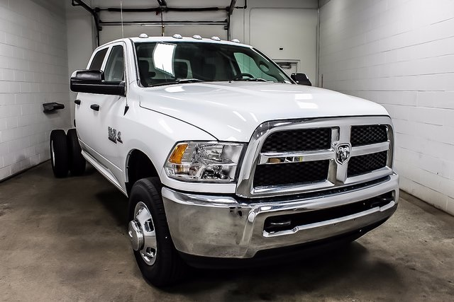 2017 Ram 3500 Crew Cab DRW 4x4, Cab Chassis #1DF7230A - photo 4