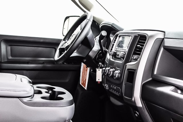 2017 Ram 3500 Crew Cab DRW 4x4, Cab Chassis #1DF7230A - photo 7