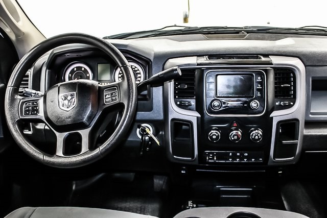 2014 Ram 3500 Crew Cab DRW 4x4, Stake Bed #1DF7323A - photo 27