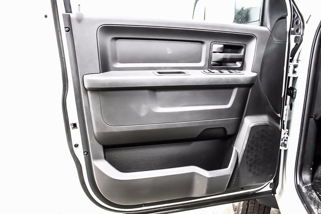 2018 Ram 5500 Crew Cab DRW 4x4 Cab Chassis #1DF8031 - photo 16