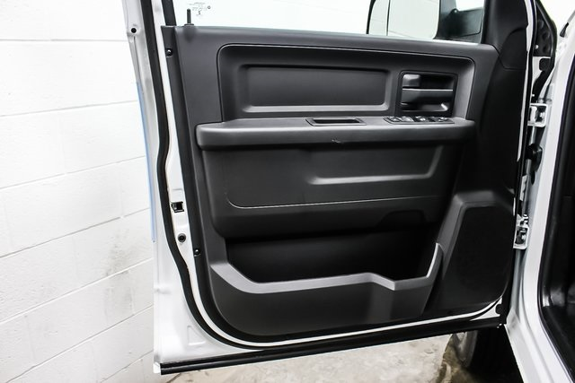 2018 Ram 3500 Crew Cab DRW 4x4, Service Body #1DF8111 - photo 18