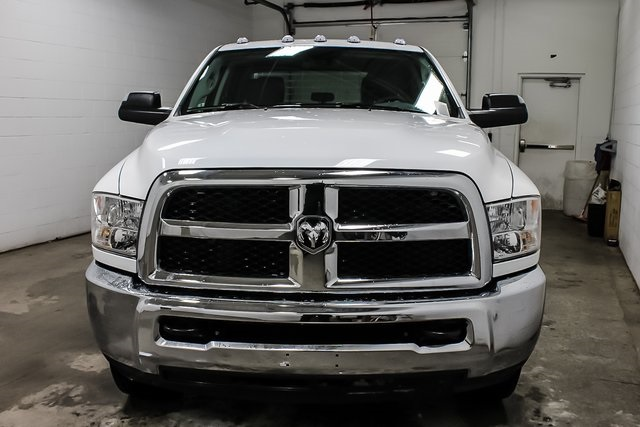 2018 Ram 3500 Crew Cab DRW 4x4,  Service Body #1DF8111 - photo 3