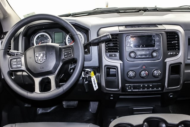 2018 Ram 3500 Crew Cab DRW 4x4, Service Body #1DF8111 - photo 24
