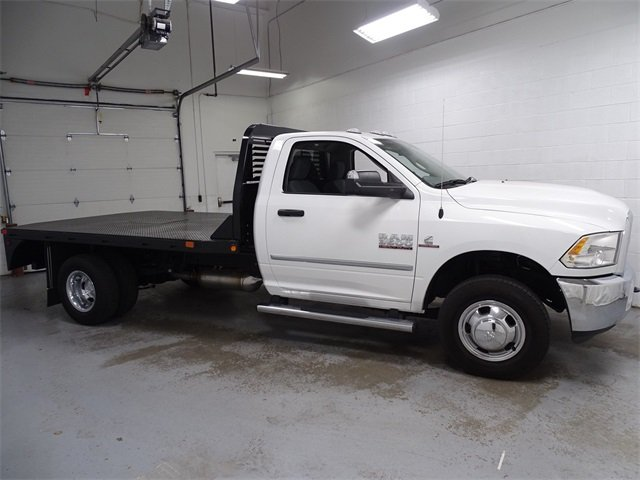 2018 Ram 3500 Regular Cab DRW 4x2,  Platform Body #1DF8243 - photo 3