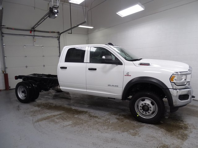 2019 Ram 4500 Crew Cab DRW 4x4,  Cab Chassis #1DF9064 - photo 3