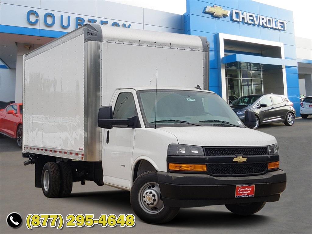 2020 Chevrolet Express 3500 4x2, Cutaway #201145 - photo 1