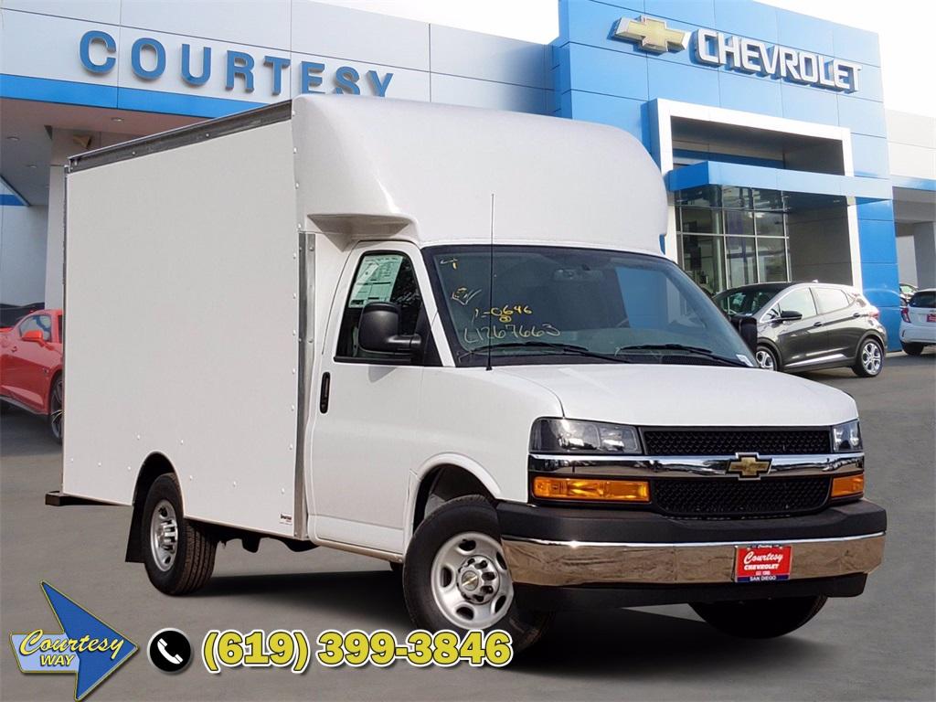 2020 Chevrolet Express 3500 4x2, Cutaway #201781 - photo 1