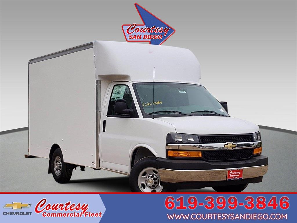 2020 Chevrolet Express 3500 4x2, Supreme Cutaway Van #201863 - photo 1