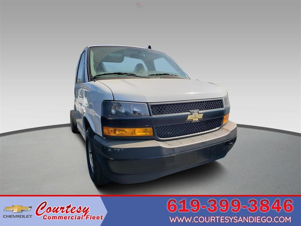2021 Chevrolet Express 3500 4x2, Cutaway #211365 - photo 1