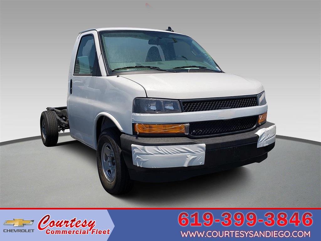 2021 Chevrolet Express 3500 4x2, Cutaway #211503 - photo 1