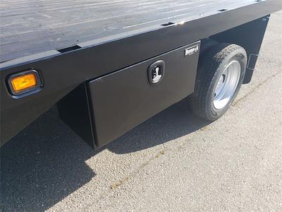 2021 Ram 5500 Crew Cab DRW 4x4, Knapheide Value-Master X Platform Body #MG546969 - photo 24