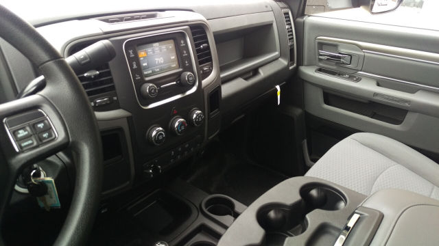2015 Ram 5500 Regular Cab DRW 4x4, Knapheide Platform Body #R150488 - photo 14