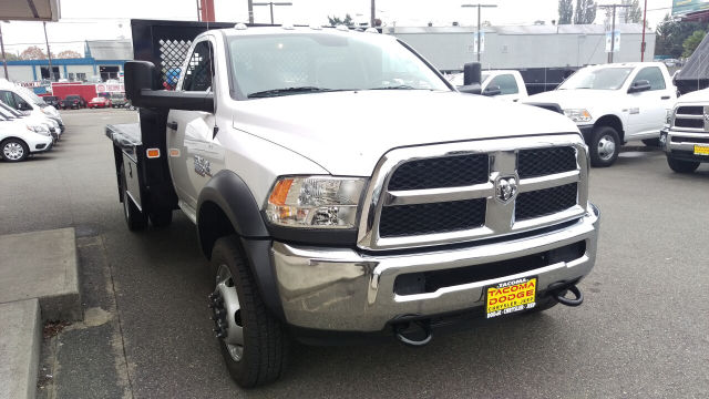 2015 Ram 5500 Regular Cab DRW 4x4, Knapheide Platform Body #R150488 - photo 5