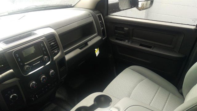 2016 Ram 3500 Crew Cab DRW 4x4, Contractor Body #R160737 - photo 12