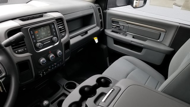 2017 Ram 5500 Regular Cab DRW 4x4,  Knapheide Contractor Bodies Contractor Body #R170595 - photo 12