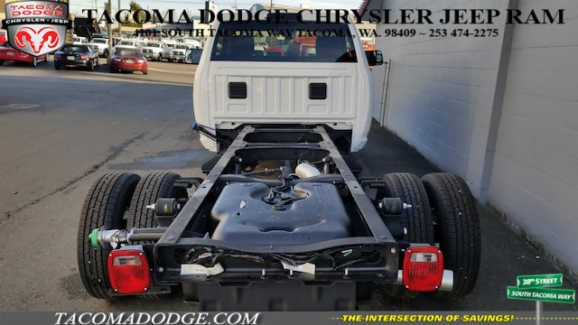 2017 Ram 3500 Regular Cab DRW 4x4 Cab Chassis #R170642 - photo 4