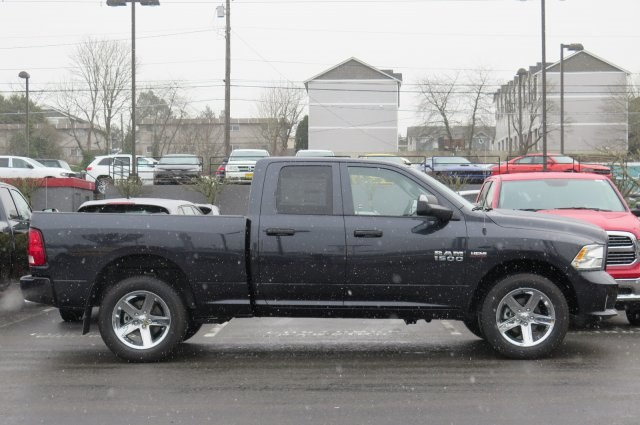 2018 Ram 1500 Crew Cab 4x4, Pickup #R180185 - photo 5