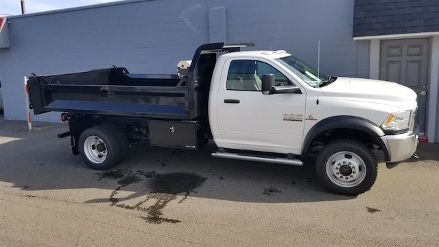 2018 Ram 5500 Regular Cab DRW 4x4,  Knapheide Dump Body #R180384 - photo 8
