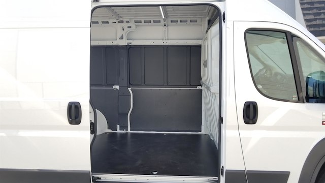 2018 ProMaster 2500 High Roof FWD,  Empty Cargo Van #R180424 - photo 11