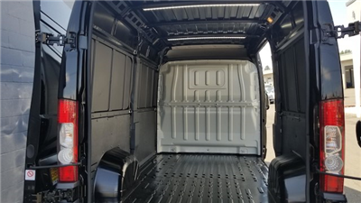 2018 Ram ProMaster 2500 High Roof 136 WB #R180455 - photo 2