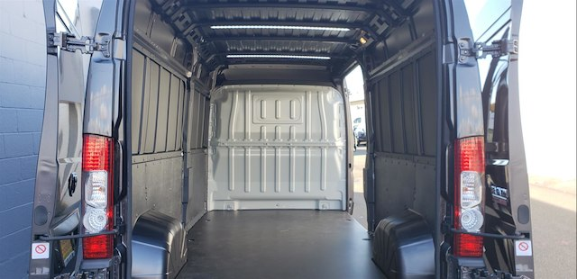 2018 ProMaster 2500 High Roof FWD,  Empty Cargo Van #R180476 - photo 2