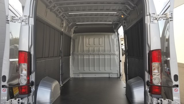 2018 ProMaster 2500 High Roof FWD,  Empty Cargo Van #R180500 - photo 10