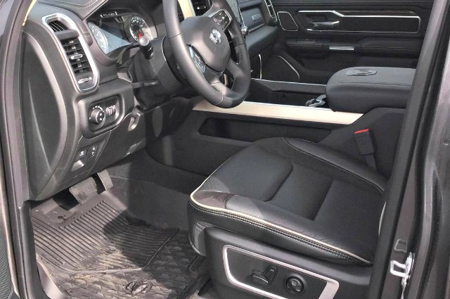 2019 Ram 1500 Crew Cab 4x4,  Pickup #R190131 - photo 17
