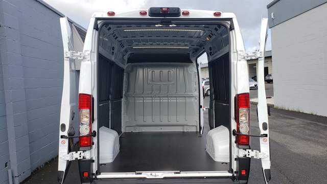 2019 Ram ProMaster 2500 High Roof 136 WB #R190273 - photo 1