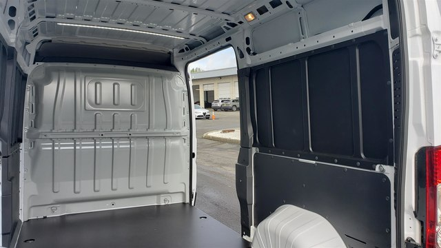 2019 Ram ProMaster 2500 High Roof 136 WB #R190273 - photo 14