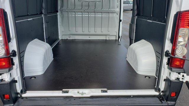 2019 Ram ProMaster 2500 High Roof 136 WB #R190273 - photo 15