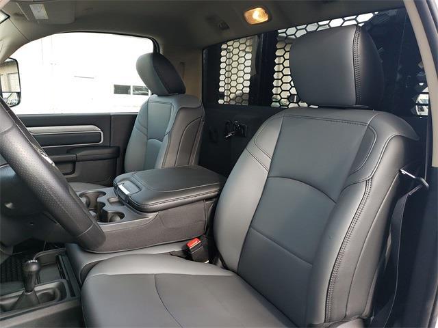 2020 Ram 5500 Regular Cab DRW 4x4, Knapheide Value-Master X Platform Body #R200633 - photo 11
