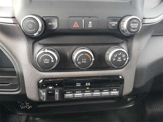 2020 Ram 5500 Regular Cab DRW 4x4, Knapheide Value-Master X Platform Body #R200633 - photo 18