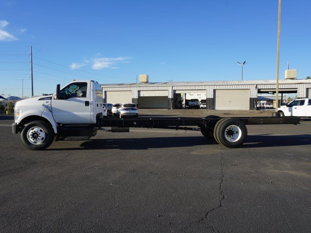 2017 F-650 Regular Cab DRW, Cab Chassis #70564 - photo 3