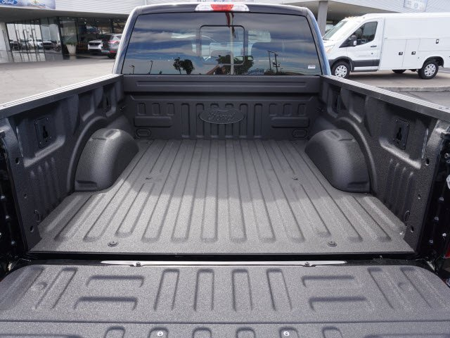 2017 F-150 SuperCrew Cab 4x4, Pickup #70943 - photo 5